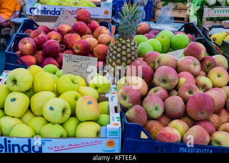 Apples for sale at Campo de Fiori market in the centre of Rome, near Piazza Navona, Rome Italy - Stock Photo