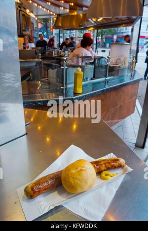 Bratwurst with mustard and bread, Lucullus grill kiosk, St Pauli, Hamburg, Germany - Stock Photo