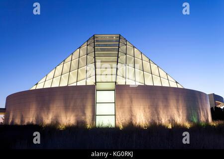 Toronto, Canada - Oct 19, 2017: View of the Ismaili Centre prayer hall illuminated at night. Toronto, Canada - Stock Photo