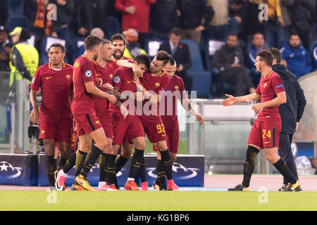 Rome, Italy. 31st Oct, 2017. Roma team group Football/Soccer : Diego Perotti of Roma celebrates with his teammates - Stock Photo