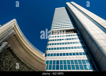Frankfurt am Main, Hessen, Germany :  Deutsche Bahn Silver Tower (ex Dresdner Bank) - Brunnen von Heinz Mack - Stock Photo