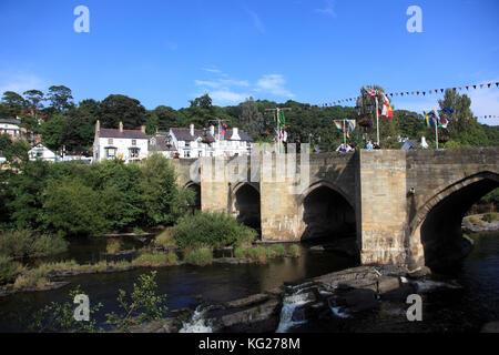 Llangollen, Dee Bridge, one of the Seven Wonders of Wales, Dee River, Dee Valley, Denbighshire, North Wales, United - Stock Photo