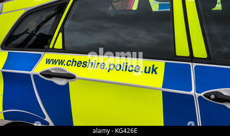 KNUTSFORD, CHESHIRE - FEB 2: Exterior view of British police car parked  Feb 2nd, 2016 in Cheshire, UK. Served by - Stock Photo