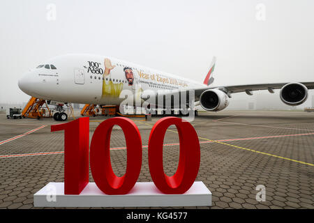 Hamburg, Germany. 3rd Nov, 2017. An airbus A380 with the special depiction of sheik Zayed bin Sultan Al Nahyan, - Stock Photo