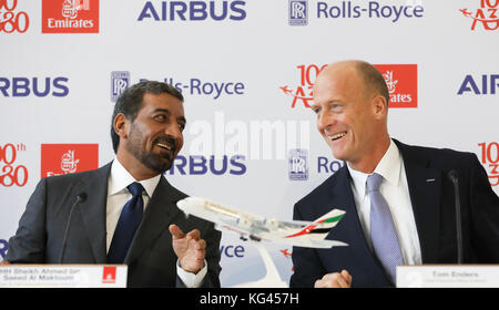 Hamburg, Germany. 3rd Nov, 2017. Head of Airbus Thomas Enders (R) and the chairman of the Emirates Group, sheik - Stock Photo