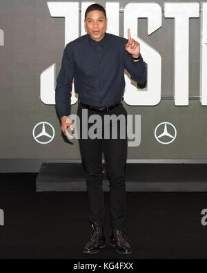 London, UK. 04th Nov, 2017. Ray Fisher attends photocall of JUSTICE LEAGUE. London, England, UK. Credit: dpa picture - Stock Photo