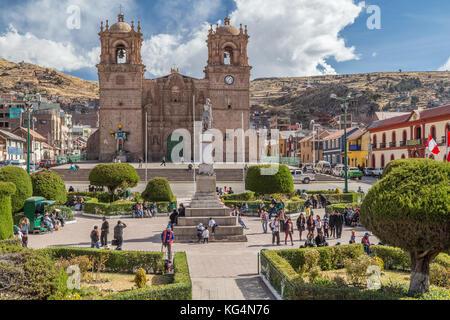 Catedral Basilica San Carlos Borromeo and Plaza de Armas in Puno, Peru - Stock Photo