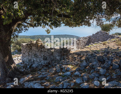 Ruins of houses destroyed in the 1953 Ionian earthquake in the mountain village of Anogi on Mount Nirito - Ithaka - Stock Photo