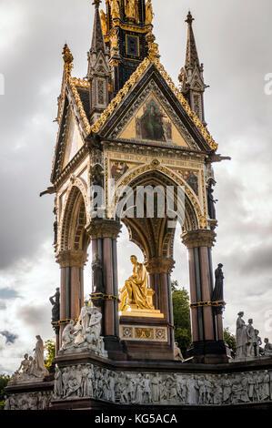 The Albert Memorial opposite the Albert Hall in Kensington Gardens, London, UK - Stock Photo