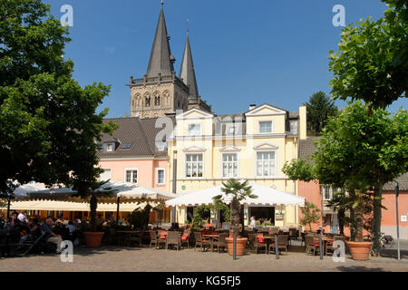 Xanten Cathedral and marketplace, Xanten, the Lower Rhine, North Rhine-Westphalia, Germany, Europe - Stock Photo