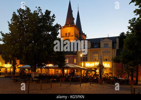 Xanten Cathedral and marketplace in the evening light, Xanten, the Lower Rhine, North Rhine-Westphalia, Germany, - Stock Photo