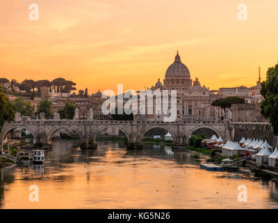 Italy, Lazio, Rome. Sunset on Saint Peter's Basilica - Stock Photo