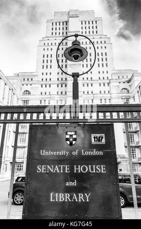 Senate House and library sign at University of London, Malet Street, Bloomsbury, London, WC1E 7HX, UK. - Stock Photo