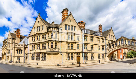 Hertford college with it's bridge known as the Bridge of Sighs,  - Stock Photo