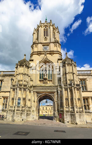 Tom Tower of Christ Church, Oxford University, Oxford, UK - Stock Photo