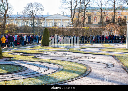 SAINT-PETERSBURG, RUSSIA - NOVEMBER 02, 2017: A crowd of people stand in line at the Museum of Catherine Palace - Stock Photo