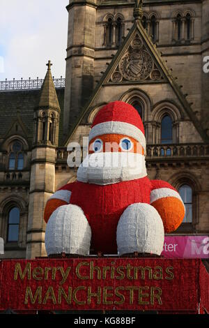 Manchester, UK. 4th November, 2017. An early Merry Christmas message in Manchester,4th November, 2017 (C)Barbara - Stock Photo
