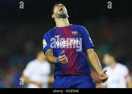 Barcelona, Spain. 04th Nov, 2017. Barcelona FC's Luis Suarez reacts during the Spanish Primera Division soccer match - Stock Photo