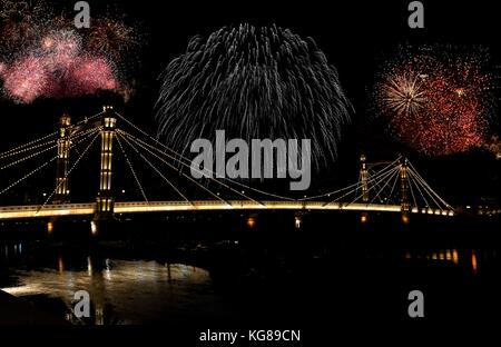 London, UK. 4th November, 2017. 2017 Multiple exposure of Battersea Park fireworks display over Albert Bridge on - Stock Photo
