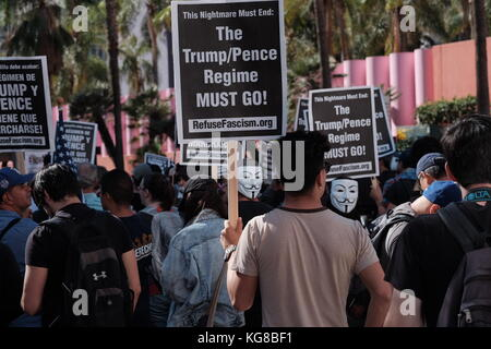 Anti- and pro-Trump protesters face off in downtown L.A. rally Credit: Eduardo Salazar/Alamy Live News - Stock Photo
