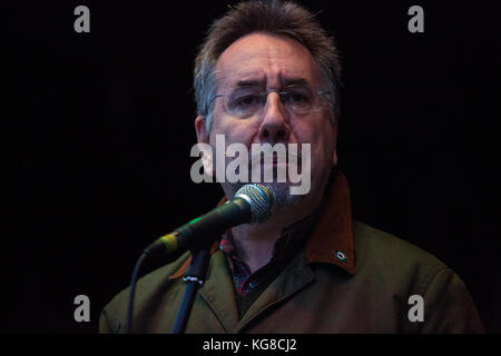 London, UK. 4th November, 2017. John Rees, broadcaster, writer and national officer of Stop The War Coalition, addresses - Stock Photo