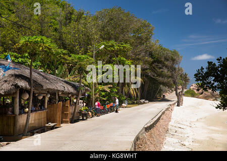 The Seychelles, La Digue, Anse Formis, east coast, roadside restaurant - Stock Photo