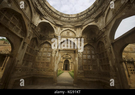Inner view of a large dome at Jami Masjid (Mosque),UNESCO protected Champaner - Pavagadh Archaeological Park, Gujarat, - Stock Photo