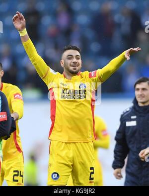 Rostock, Deutschland. 05th Nov, 2017. final jubilation: Burak Camoglu (KSC). GES/ Fussball/ 3. Liga: Hansa Rostock - Stock Photo