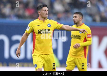 Rostock, Deutschland. 05th Nov, 2017. Marcel Mehlem (KSC). GES/ Fussball/ 3. Liga: Hansa Rostock - Karlsruher SC, - Stock Photo