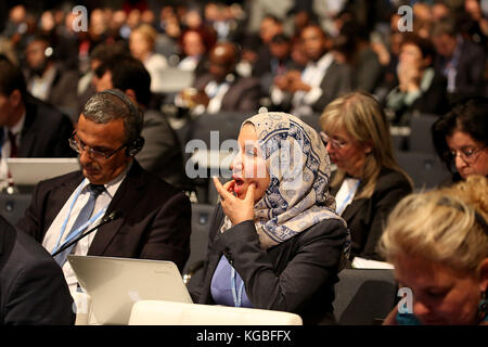 Bonn, Germany. 6th Nov, 2017. The delegates follow the opening of the conference in Bonn, Germany, 6 November 2017. The World Climate Conference is taking place from the 6 to the 17 of November in Bonn, Germany Credit: Oliver Berg/dpa/Alamy Live News