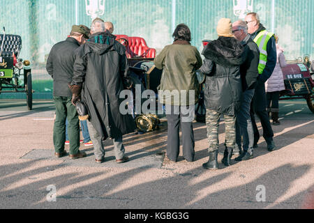 Brighton, UK. 5th November, 2017. London to Brighton Veteran Car Run 2017 showing MERCEDES CAR WITH SMASHED FRONT - Stock Photo