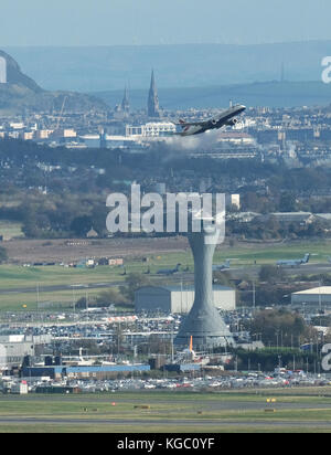 A British Airways aircraft takes off at Edinburgh Airport, Ingliston, Edinburgh. - Stock Photo