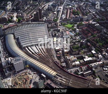 An aerial view of London showing Waterloo International Railway Station. On November 13 2007, the last Eurostar - Stock Photo