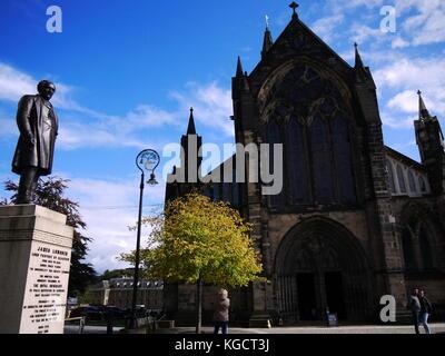 Statue of James Lumsden Catedral Square, Glasgow - Stock Photo