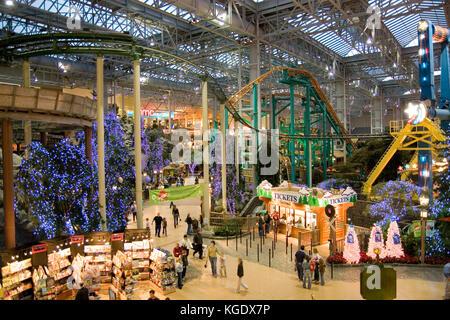 Minnesota USA Minneapolis Mall Of America Pre Christmas Shopping - Largest mall in usa
