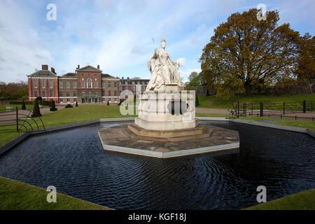 Kensington Palace, royal residence set in Kensington Gardens, Hyde Park, in the Royal Borough of Kensington and - Stock Photo