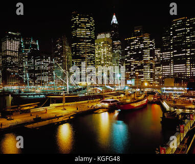 USA. New York. Lower Manhattan, South Street Seaport. - Stock Photo
