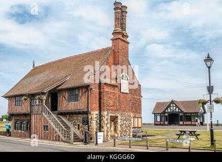 Moot Hall in Aldeburgh, a coastal town in Suffolk, East Anglia, England. Located on the Alde river the town is notable - Stock Photo