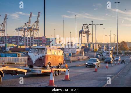 VW Camper Van on trailer Southampton Docks Vintage Camper Van - Stock Photo