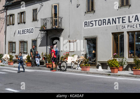 Hotel and restaurant L'Appennino, on the summit of the San Pellegrino Pass. Province of Lucca. Italy. - Stock Photo