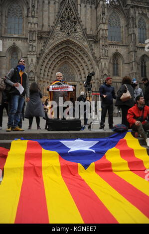 Barcelona, Spain. 08th Nov, 2017. Demonstration during a general strike to claim for the liberation of political - Stock Photo