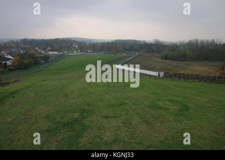 Hötensleben, Germany. 9th Nov, 2017. The Border Memorial Hötensleben. It show characteristic barrier system erected - Stock Photo