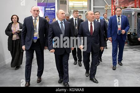 Chelyabinsk, Russia. 09th Nov, 2017. Russian President Vladimir Putin, center, Kazakh President Nursultan Nazarbayev, - Stock Photo