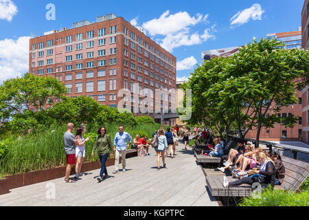 New york usa new york the high line new york urban park formed from an abandoned elevated rail line in Chelsea lower - Stock Photo