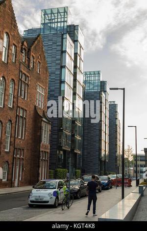 EDINBURGH SCOTLAND - 26th May 2017 -  cosmopolitan appartments in the newly renoveted quarter mile area of Edinburg - Stock Photo