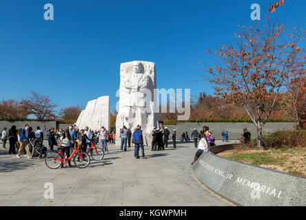 Visitors in front of the Stone of Hope, a statue of Martin Luther King at the Martin Luther King, Jr Memorial, Washington - Stock Photo