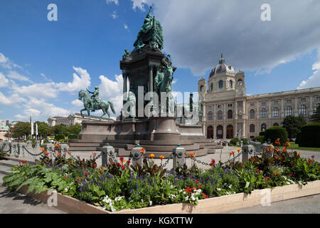 Austria, city of Vienna, Maria Theresien Platz, Empress Maria Theresa Monument (1888), Kunsthistorisches Museum - Stock Photo