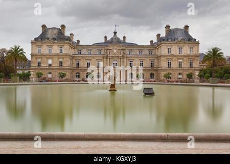 Sénat - Jardin du Luxembourg - Paris - Stock Photo