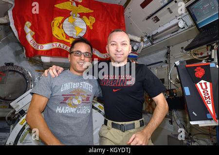 International Space Station. 10th Nov, 2017. Expedition 53 American astronaut Randy Bresnik, right, and Joe Acaba - Stock Photo