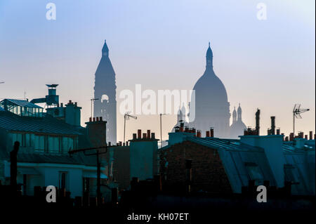 FRANCE. PARIS (75), DOME OF THE BASILICA OF THE SACRED HEART AND THE ROOFS OF PARIS